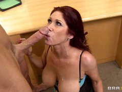 Tiffany Mynx gets her face sprayed with warm cum