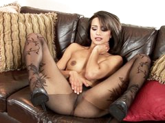 Sexy Chelsea French loves teasing her juicy moist clit