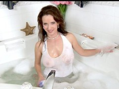 Anilos Megan finger bonks her cougar cookie in the bathtub