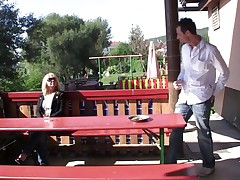 guy receives a mean suck from horny blonde gilf