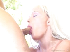 Tempting Layla Jade throat fucks a rigid skin flute